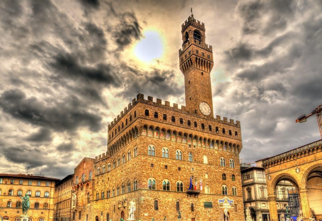 Tra i cinque monumenti di Firenze da non perdere c'è sicuramente Palazzo Vecchio