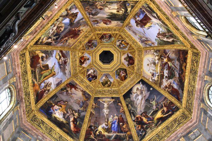 L'interno della cupola di Brunelleschi, tra le attrazioni principali di Firenze