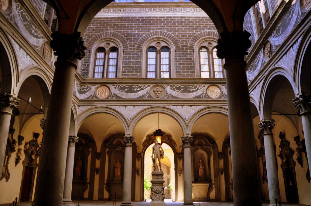 Palazzo Medici Riccardi fu il modello per i palazzi aristocratici fiorentini.