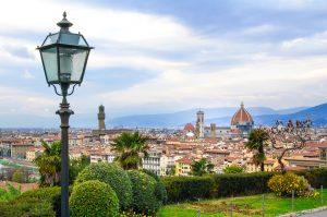 Piazzale Michelangelo, da cui si gode una superba vista su Firenze