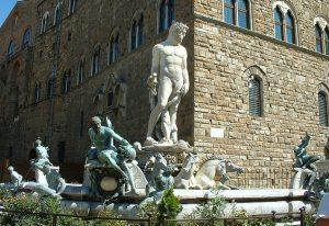 La fontana del Nettuno in piazza della signoria a Firenze