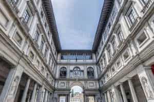 La strepitosa Galleria degli Uffizi di Firenze, il più antico museo d'Europa. è tra le cose assolutamente da visitare